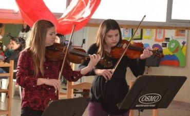 """Orquesta Escuela: """" es una forma diferente de hacer música"""""""