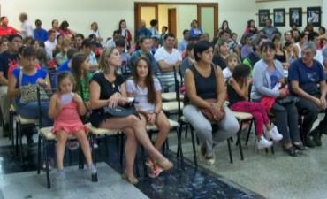 Más 500 afiliados al CECO recibieron ayuda escolar