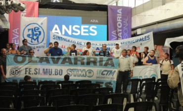Azul: Trabajadores del STMA impidieron que se realice el acto de ANSeS