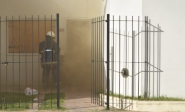 Presunto incendio intencional afectó a una vivienda