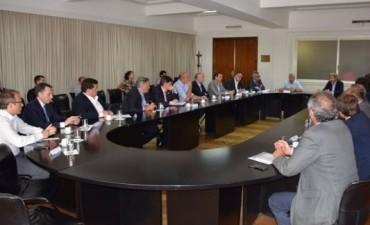 Alcaldes bonaerenses trasladaron a Nación preocupación por el aumento en la electricidad