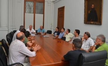 Funcionarios municipales se reunieron con vecinos del barrio Los Sauces