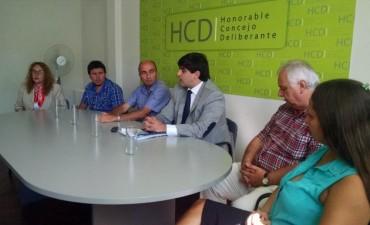 Los concejales y el Ejecutivo se reunieron en el HCD