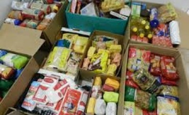 Inscriben a familias para recibir asistencia alimentaria