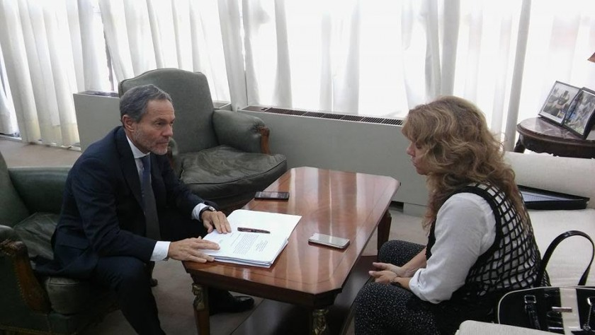 Lorden se reunió con el ministro de Justicia Gustavo Ferrari