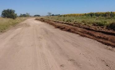 Azul: tareas en caminos rurales