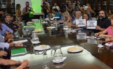 Paritarias: La provincia convocó a los docentes