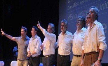 Felipe Solá: 'Agazaparse esperando que caiga un gobierno es anti argentino'