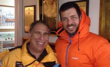 El rompehielos'Almirante Irízar' en la Antártida