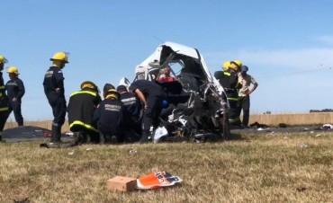 Una persona falleció y otras dos resultaron heridas tras un accidente en ruta 51