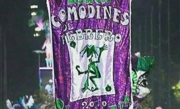 Murga Comodines de Febrero festeja su octavo cumpleaños a puro carnaval