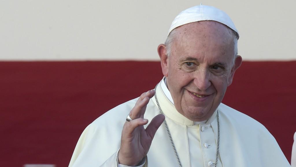 El Papa inició una visita a Emiratos Árabes para reforzar el diálogo interreligioso