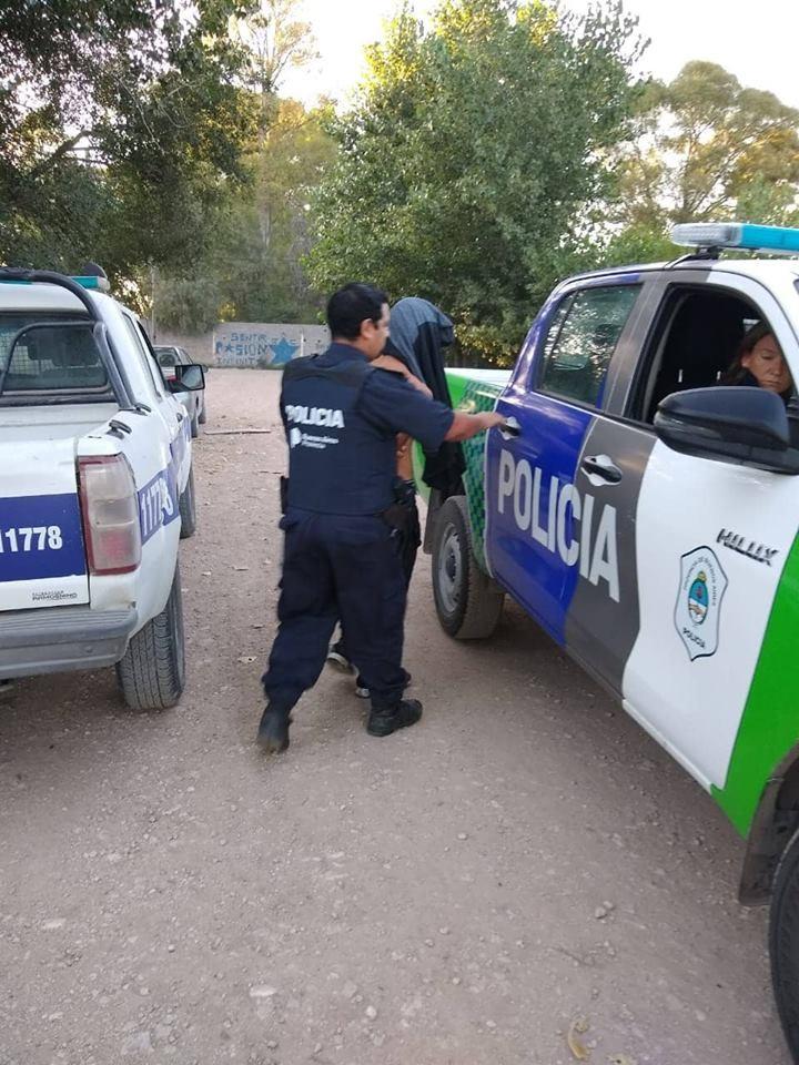 Detención de un menor y un mayor, como resultado de allanamientos