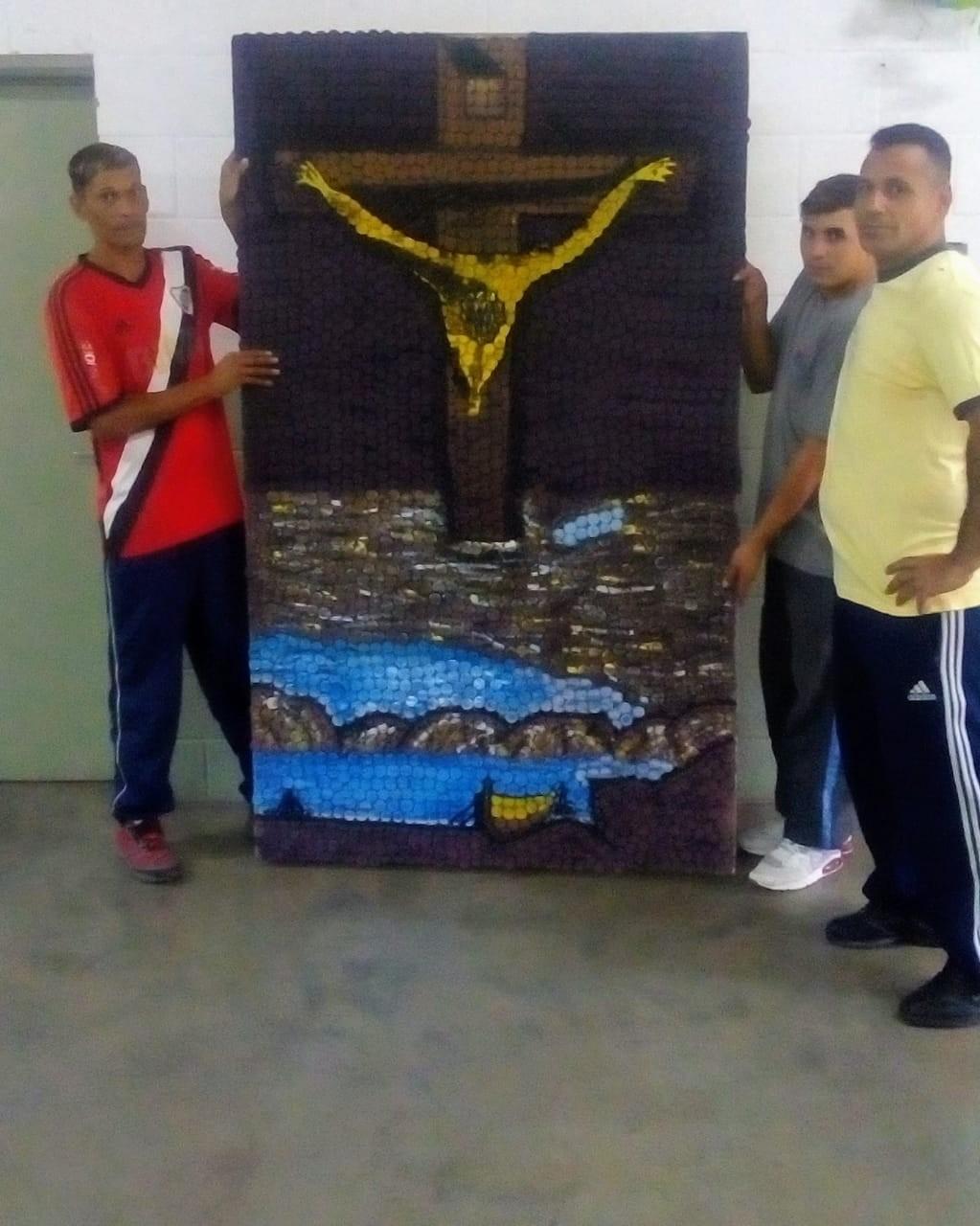 Internos de la Unidad 38 taparon al Cristo de Dalí