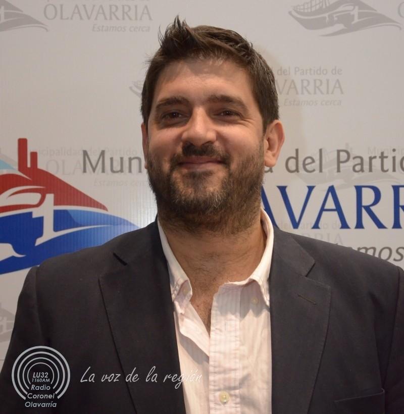 Educación: el municipio entrega los kits y defiende la política educativa de María Eugenia Vidal