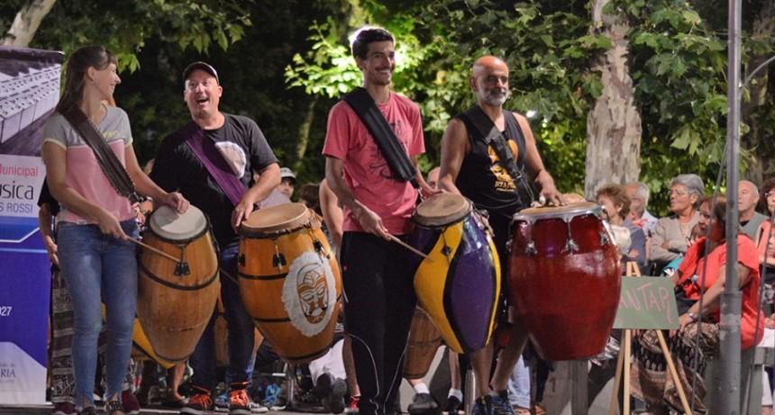 Música rioplatense, bailes populares y un Verano que sigue en Movimiento