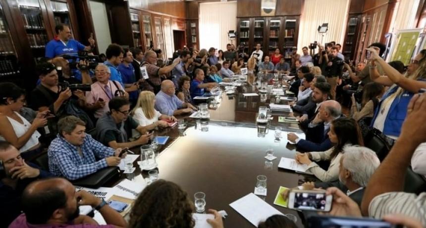Docentes: esperan nueva convocatoria tras la primera reunión