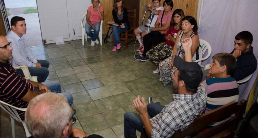 """Aguilera: """"Es esencial la atención primaria de la salud en los barrios"""""""