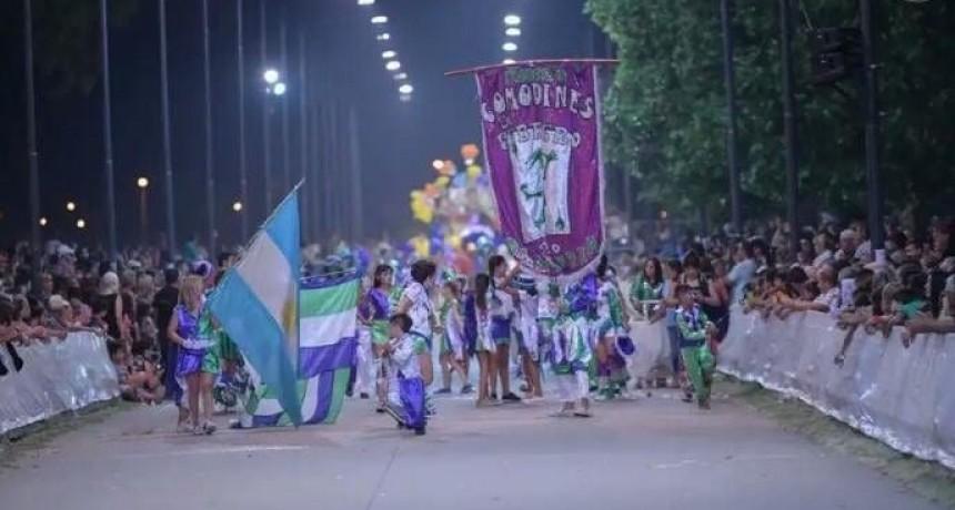 La Murga Comodines de Febrero festeja su noveno cumpleaños a puro carnaval