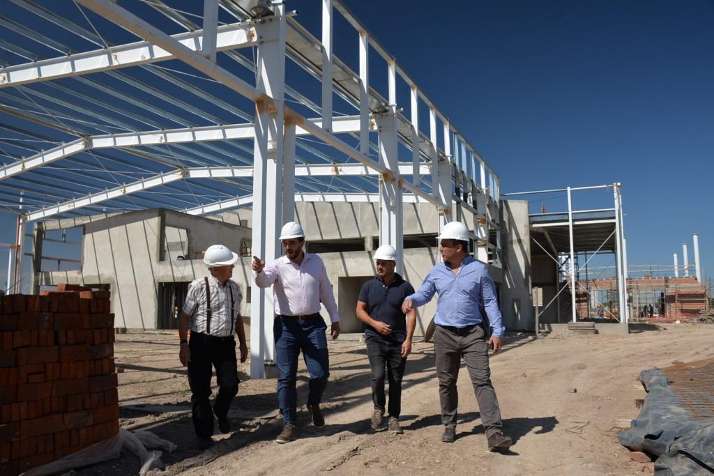 Con mano de obra local Bari S.A. construye su nueva sucursal en Olavarría