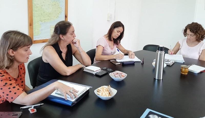 """Concejalas del Frente de Todos e integrantes de """"Casa Popular Valeria"""" se reunieron en el Ministerio de las Mujeres"""