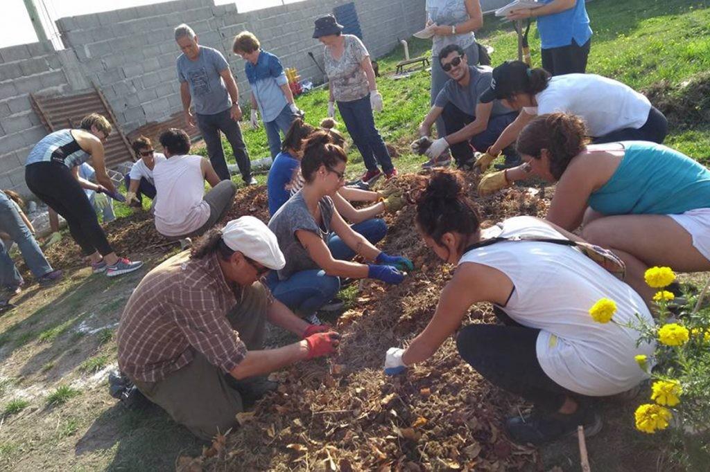 """""""Agroecología: una alternativa de producción amigable con el ambiente y la vida"""""""