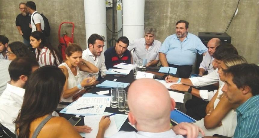 Olavarría participó de un encuentro convocado por el Ministerio de Producción de la provincia