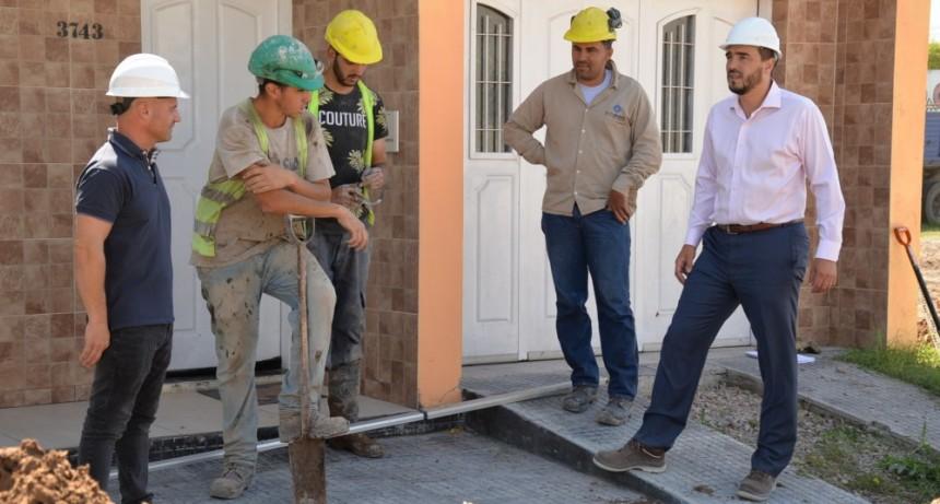 La extensión cloacal en el barrio Hipólito Yrigoyen avanzó un 55%.
