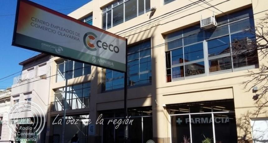 El CECO entrega los guardapolvos y útiles a sus afiliados