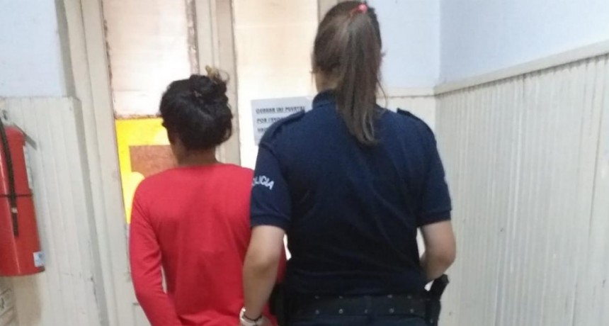 Labran infracción a una joven por alterar el orden público