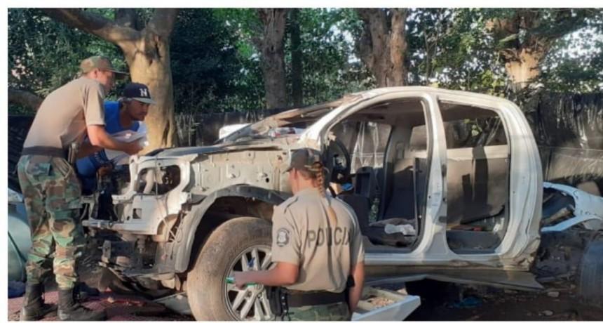 Hallaron camioneta y carro que habían sido robados