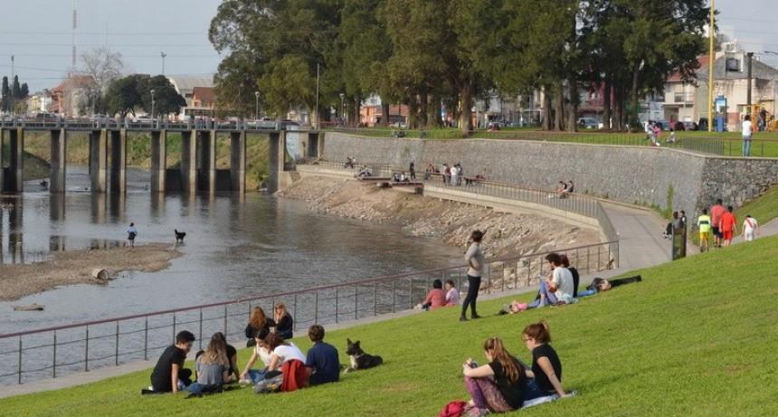 Facultad de Ingeniería: 'debe seguir vigente' la prohibición de baño en el arroyo