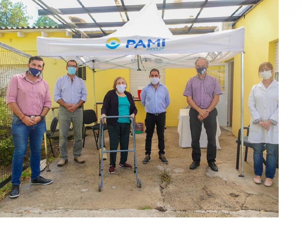 Tapalqué: jornada de vacunación en el Hogar de Ancianos y el complejo de adultos mayores