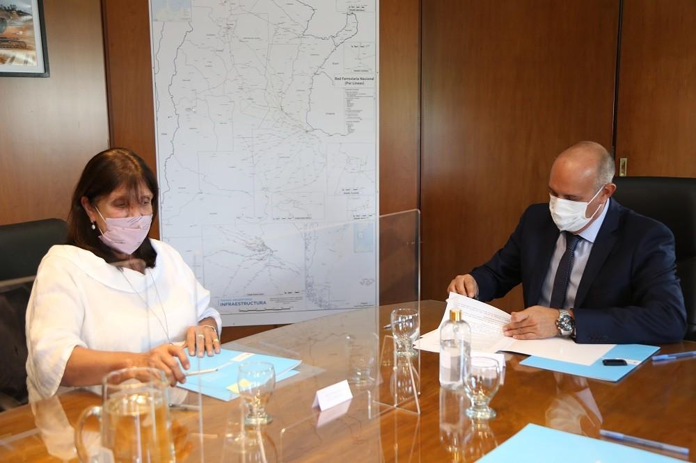 Firma de convenio entre TAI y la provincia de Buenos Aires para trabajar en el acceso a tierras para viviendas