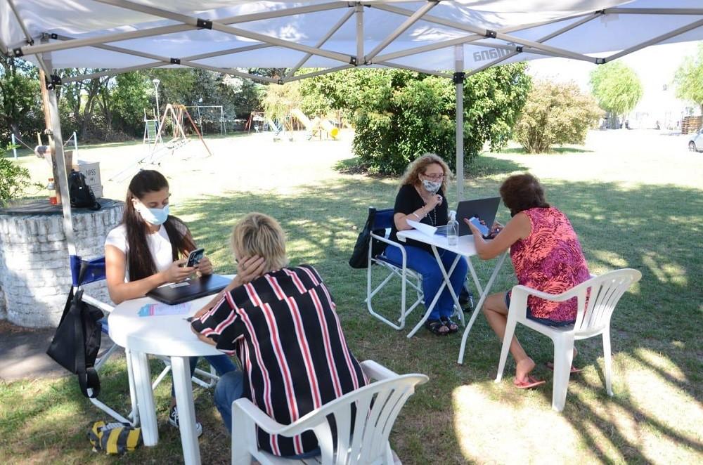 Más de 800 vecinos de las localidades se acercaron a los puntos de inscripción para vacunarse contra el Covid