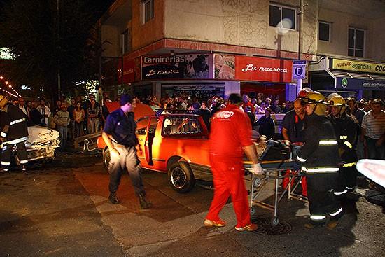 Espectacular accidente en Avenida Pringles