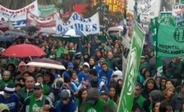 Estatales: Pese a la conciliación obligatoria, los trabajadores continúan de paro