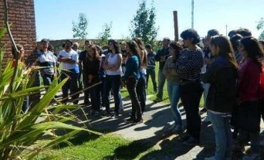 Los alumnos ingresantes de Sociales invadieron el complejo universitario