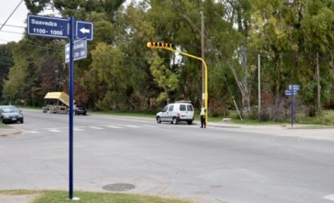 Se puso en funcionamiento un nuevo semáforo