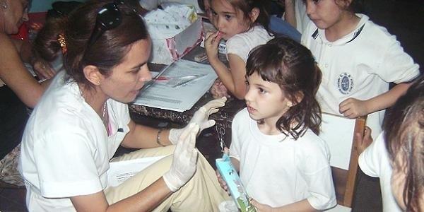 Difunden consejos de salud para la vuelta a clases de niños y adolescentes