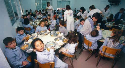 Pese al paro de docentes y auxiliares, garantizan el funcionamiento de los comedores