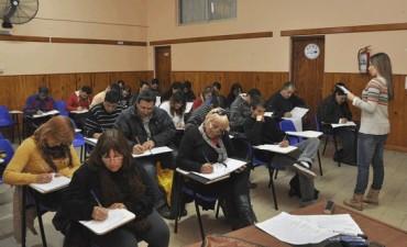 Reanudan las clases del FINES II en AOMA