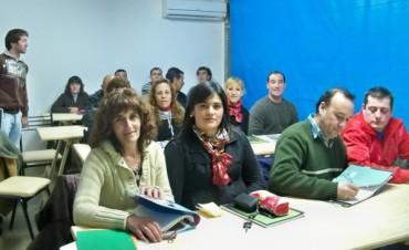 Comienzan las clases del Plan Fines II en la sede del CECO