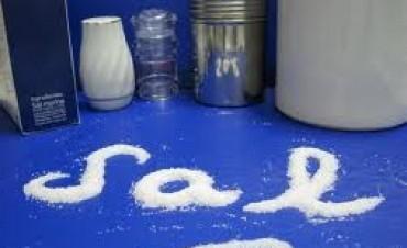 Descenso en dos gramos en el consumo de sal, evitó más de 4000 muertes al año