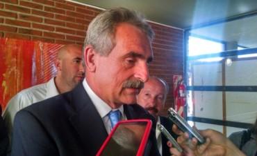 El ministro Agustín Rossi entregó actas de la dictadura