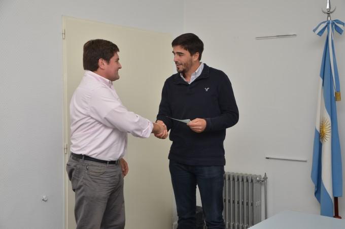 El Intendente Galli entregó créditos a emprendedores locales