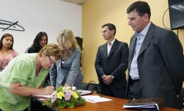 Azul: el Municipio avanza en la escrituración social