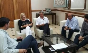 Colectivos: reunión entre empresario y autoridades municipales