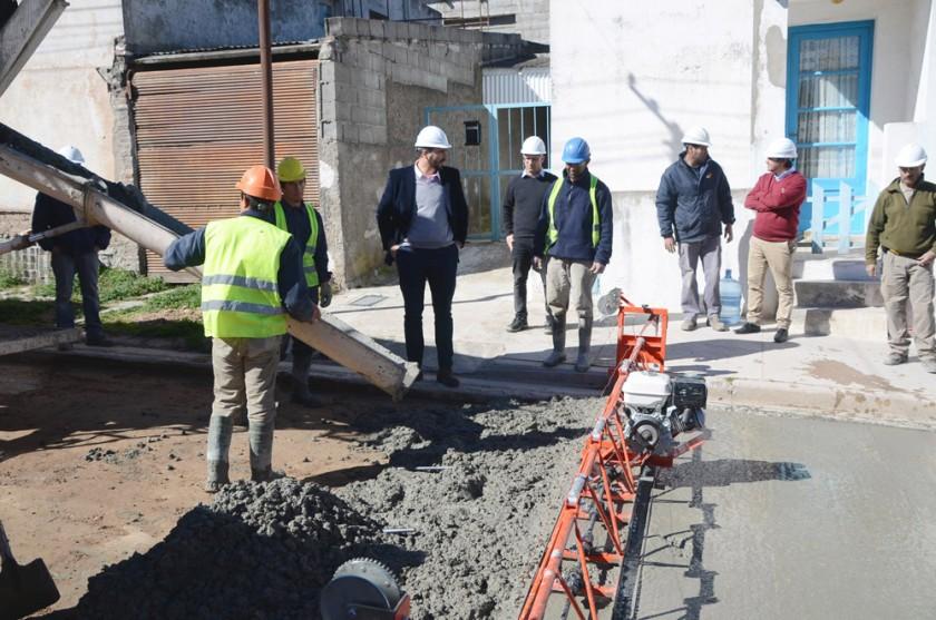 Obra de repavimentación en el barrio San Vicente