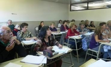 Inscripción a los talleres de UPAMI en la FACSO